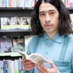 小説家ピース又吉の素顔と本の評価は?