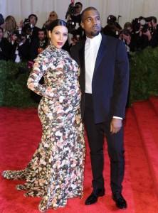 キムの妊婦花柄ドレス